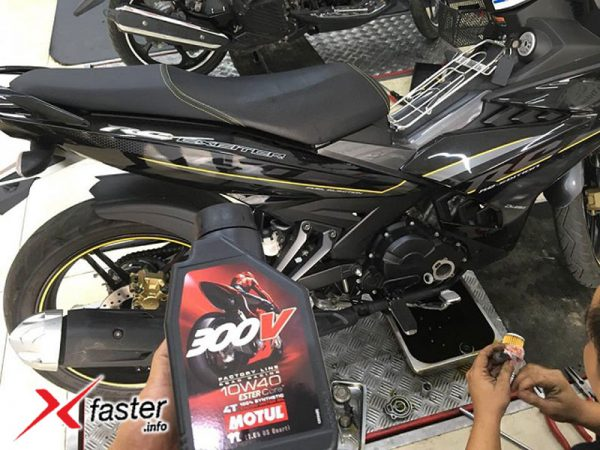 Thay nhớt xe Exciter 150 tại Xfaster